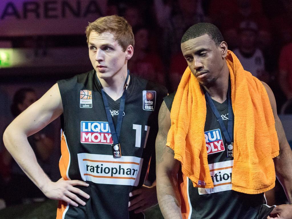 Tom Alte (l.) will künftig in Braunschweig auf Reboundjagd gehen