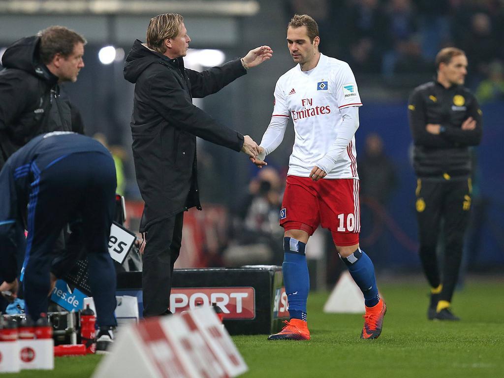 Hamburgs Trainer Markus Gisdol (l.) setzt derzeit nicht auf Pierre-Michel Lasogga
