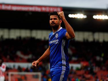 Diego Costa is een tevreden man tijdens het competitieduel Stoke City - Chelsea (18-03-2017).