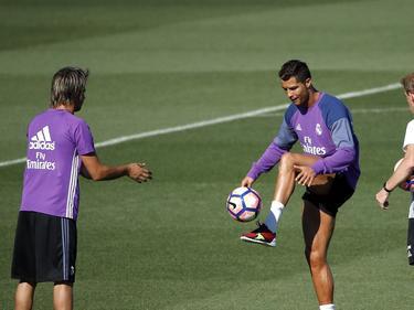 Ronaldo ya lleva varios días entrenando con vistas a su estreno tras la lesión. (Foto: Getty)