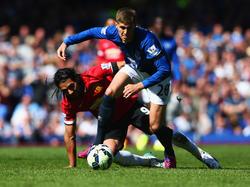 Evertons Johns Stones (r.) wird immer häufiger mit Manchester United in Verbindung gebracht