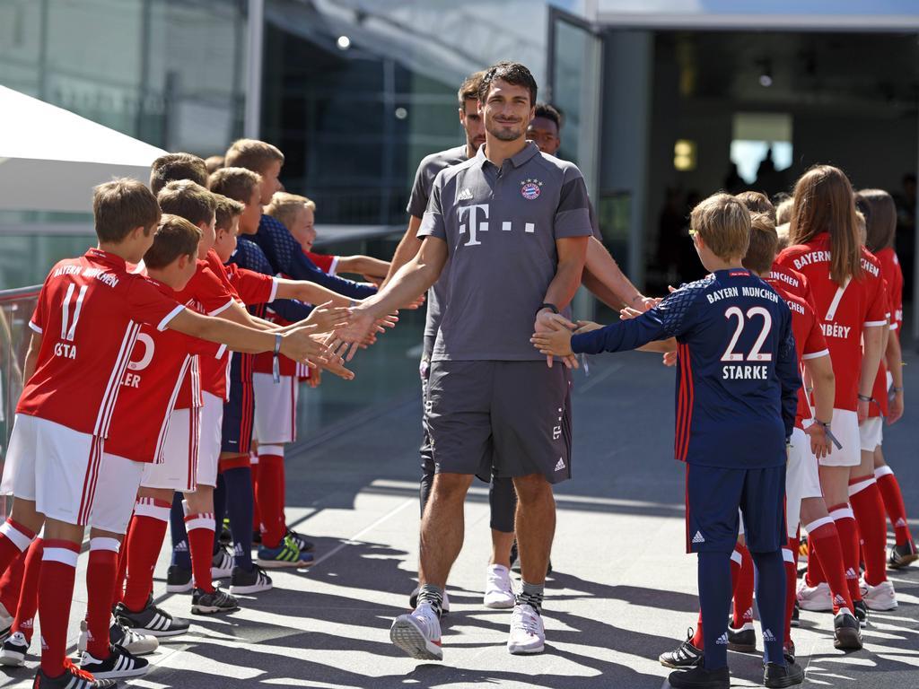 Bei den jungen Fans ist Mats Hummels ganz besonders beliebt