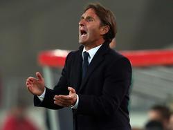 VfB-Trainer Bruno Labbadia steht gegen Augsburg unter Druck