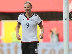 Alexandra Popp freut sich über die Auszeichnung als Fußballerin des Jahres