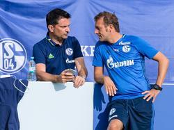 Haben ordentlich Gesprächsbedarf: Christian Heidel (l.) und Trainer Markus Weinzierl