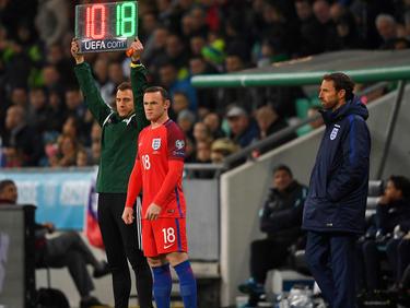 Southgate (r.) brachte Rooney (m.) in der Schlussphase
