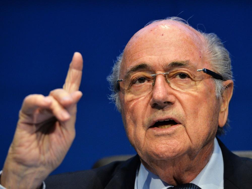 Joseph Blatter fordert eine Suspendierung von Constantin