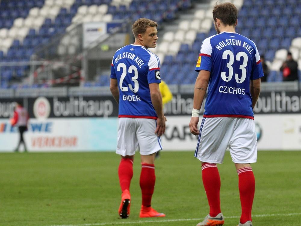 Holstein Kiel löst den Vertrag mit René Guder (l.) auf