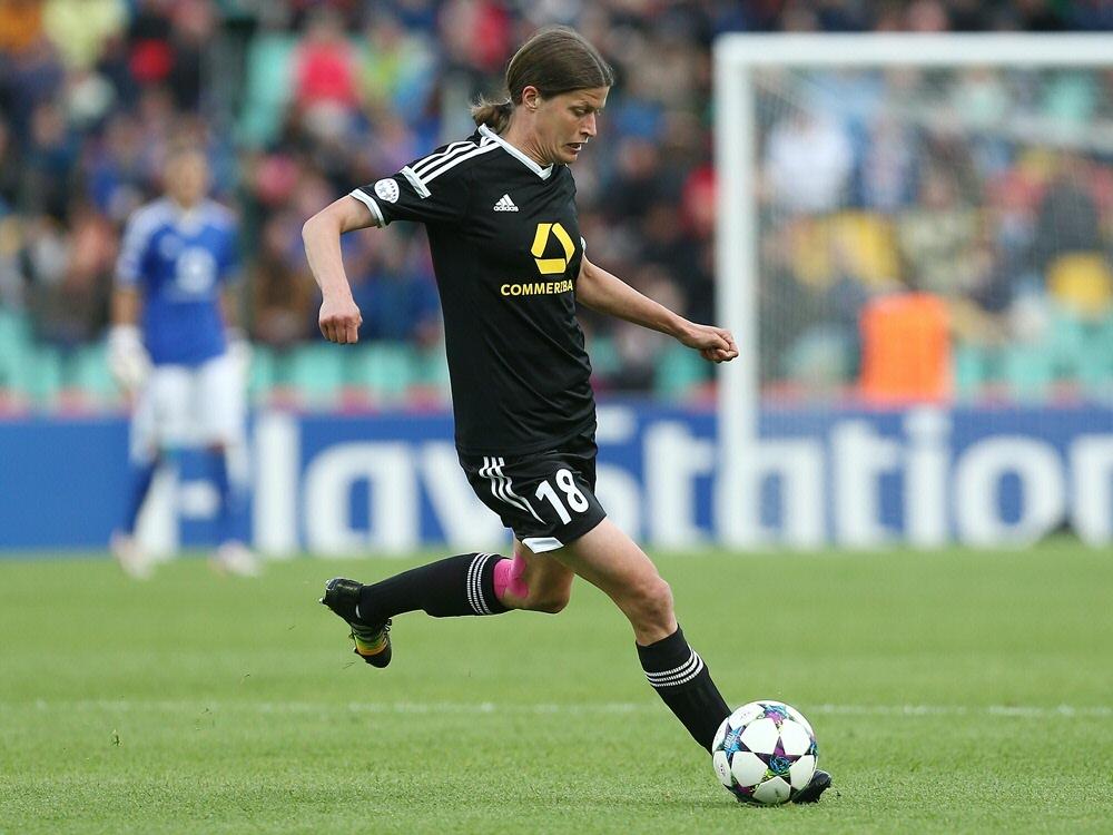 Kerstin Garefrekes droht gegen den VfL Wolfsburg auszufallen