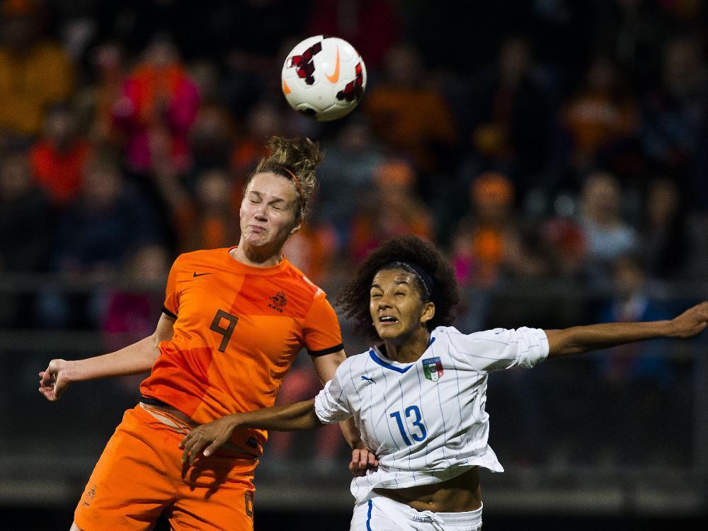 Vivianne Miedema (l.) schießt Oranje-Damen zur WM