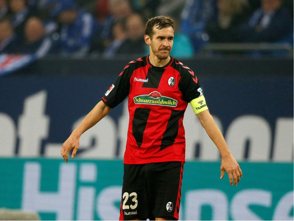 Kapitän Schuster verlängert um ein Jahr beim SC Freiburg