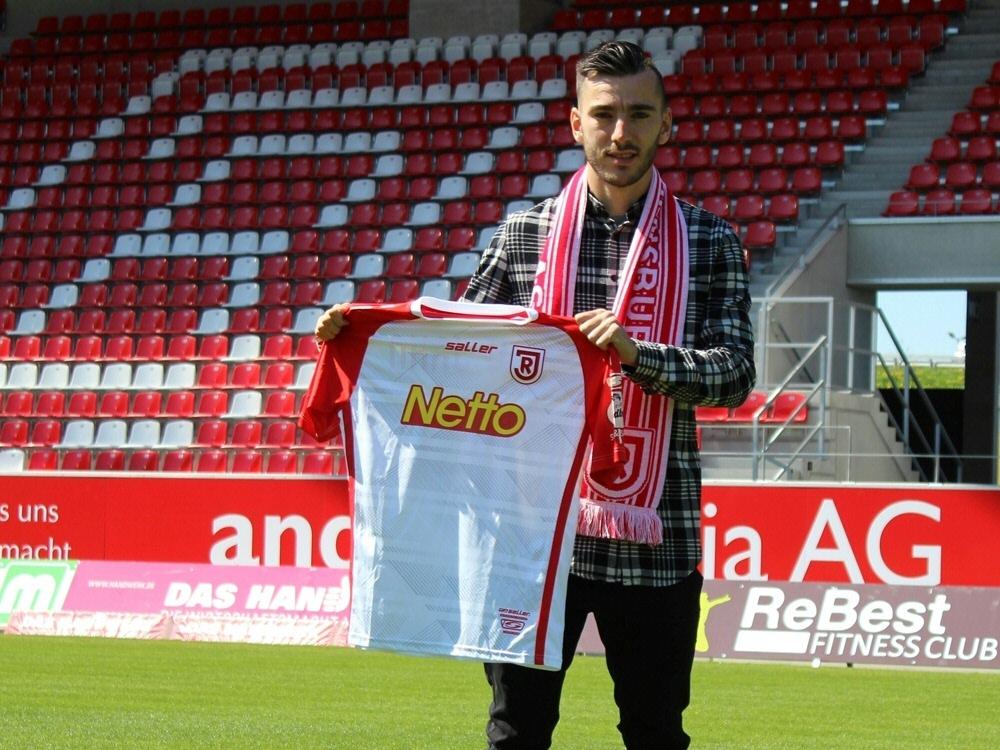 Fußball | VfL Wolfsburg verleiht Stolze an Regensburg