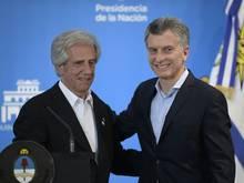 Macri (r.) und Vazquez bemühen sich um WM 2030