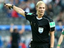 Bibiana Steinhaus leitet die Partie Schalke gegen Mainz