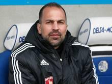 Markus Babbel empfängt in der Vorbereitung Schalke 04