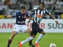 Maicosuel (r.) holt mit Atlético Mineiro den Pokal