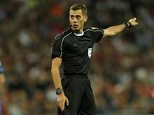 Clément Turpin leitet die Partie von Borussia Dortmund