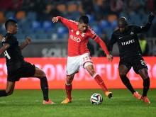 Enzo Perez (m.) wechselt von Benfica zum FC Valencia