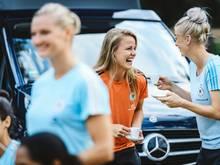 DFB-Frauen mit viel Spaß beim Foto-Shooting