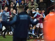 Der Platzsturm der Villa-Fans hat ernste Konsequenzen
