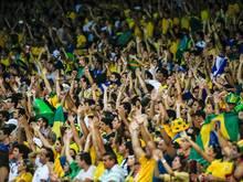 Brasilianische Fans unterstützen ihr Nationalteam stimmungsvoll. Am Wochenende lieferten sie andere Bilder