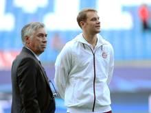 Trainer Carlo Ancelotti und Manuel Neuer