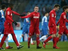 Christian Clemens (M.) vom 1. FC Köln trifft gegen den VfL Bochum