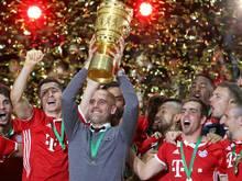 Die Bayern feiern sich und ihren Trainer Guardiola