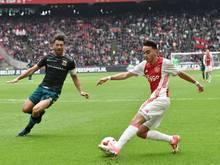 Abdelhak Nouri (r.) wird nach Amsterdam verlegt