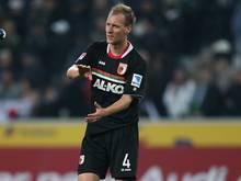 Dominik Reinhardt bleibt noch ein Jahr beim FC Augsburg