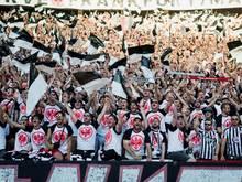 Die Eintracht-Fans haben ihre Mannschaft am Römer empfangen