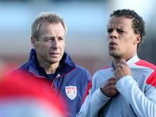 Klinsmann (l.) nominiert unter anderem Timothy Chandler