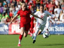 Pauline Bremer (l.) wechselt zu Olympique Lyon
