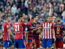 Filipe Luis (4.v.r.) muss drei Spiele aussetzen