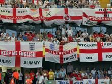 Zwei England-Fans wurden lebenslang gesperrt