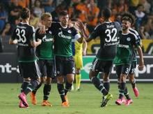 Schalke legt einen perfekten Start in Nikosia hin