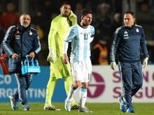 Lionel Messi geht verletzt vom Feld