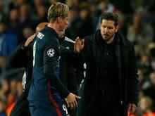 Diego Simeone (r.)  setzt gegen Bayern auf Fernando Torres