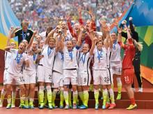 Obama ehrt das US-Frauenfußballteam für ihren WM-Titel