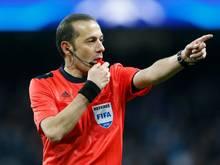 Cuneyt Çakır pfeift Halbfinal-Rückspiel zwiachen Bayern und Atlético