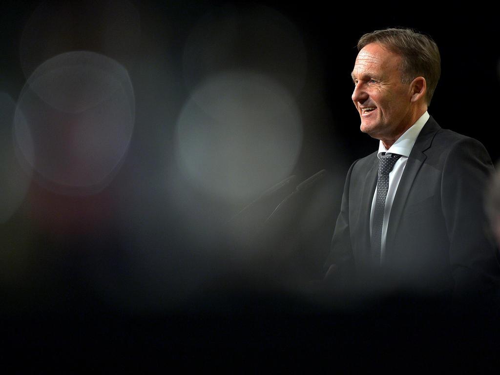 Hans-Joachim Watzke macht Kevin Großkreutz die BVB-Tür auf