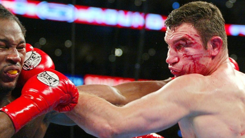 Klitschko sieht nach seiner Verletzung schwer gezeichnet aus