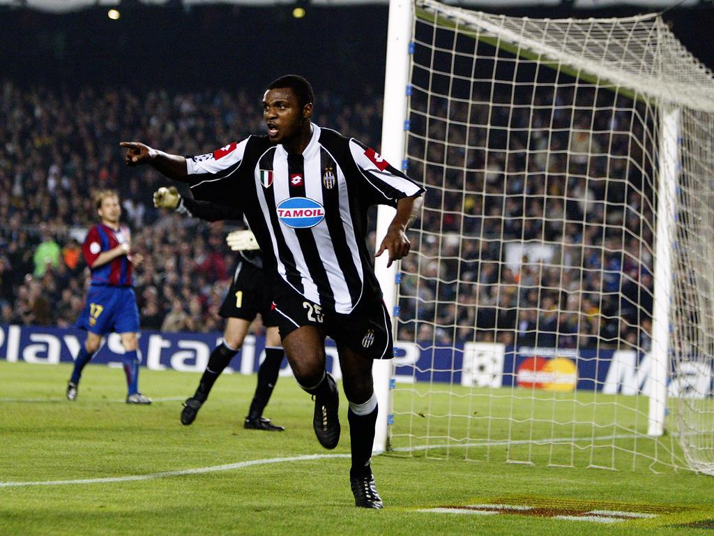 Marcelo Zalayeta feiert seinen Treffer gegen Barcelona