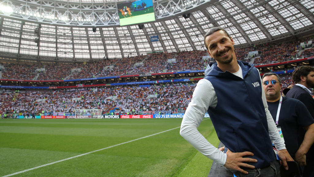 Prominenter Besuch: Zlatan Ibrahimovic ist zu Gast im Luzhniki Stadion
