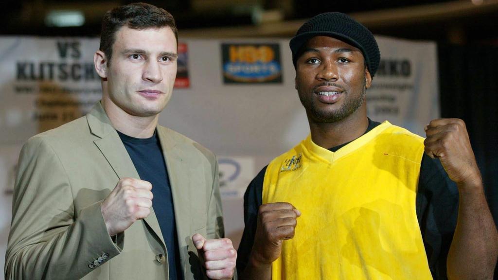 Klitschko und Lewis posieren vor dem Kampf